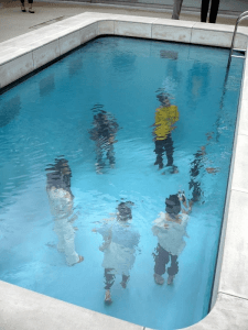潜り続けても絶対に息苦しくならないプール - Swimming Pool -