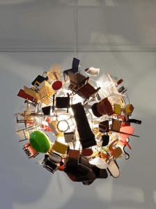 ミニチュアチェア好きにはたまらない、イスだらけの照明 - Mini Furniture Lamp -