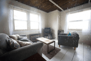 雨宿りのできない、雨が宿る家 - Inside Rain -