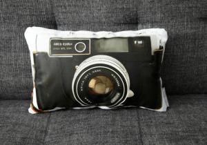 ヴィンテージカメラ風のオシャレなクッション - Vintage Camera Pillows -