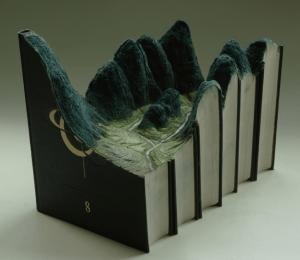 本を読むだけでは知れない彫刻のすごさ - Book Landscapes -