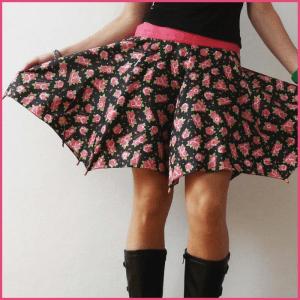 雨に濡れても安心、折れた傘をスカートに - Umbrella Skirt -