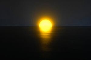 あなたの部屋の片隅で沈む太陽 - Skirting Board Sunset -