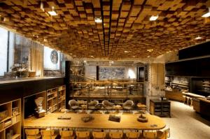 銀行の金庫を改装して作られたスターバックス - Starbucks Concept Store In Amsterdam -