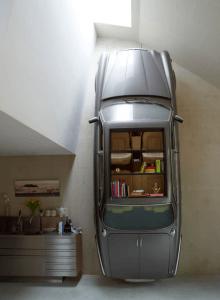 見事なインテリアへと変身を遂げたヴィンテージカー - Spectacular Vintage Car Bookshelf -
