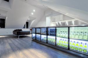 ショーケース?冷蔵庫?がオシャレなペントハウス - Unique penthouse in Stockholm -