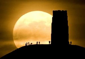 今夜は月が大接近!スーパームーンを捉えた写真いろいろ - super moon -