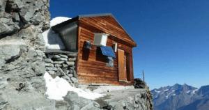 たどり着き方がわからない。世界一高いところにある怖過ぎる小屋  - Highest Hut in The World -