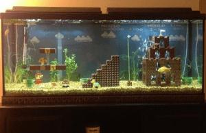 魚になりたい!水槽の中で再現されたリアルなマリオ - Mario Fish Tank -