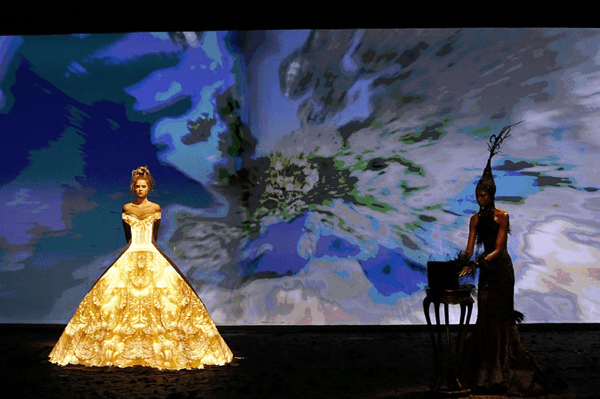 Dress Projection Mapping