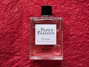 どんな香り?!本が大好きな人なら誰もが好む本の香りがする香水 - Paper Passion -