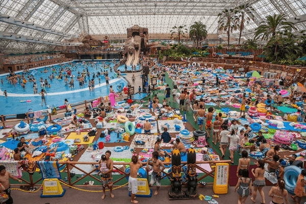 The Worlds Most Crowded Wave Pool