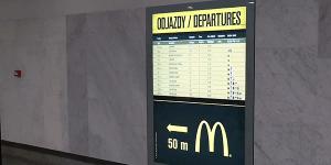 次の電車を待つ間も苦にならない、ジャンクな時刻表 - Hamburger Timetable -