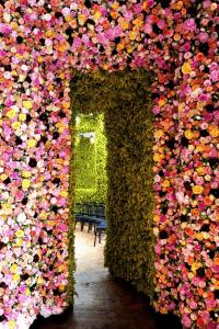 美しすぎる、100万の花で彩られたファッションショー - Dior's Show 1 Million Flowers -