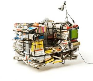 自分のお気に入りのグッズに囲まれることができるソファ - Comfy Cargo Chair -