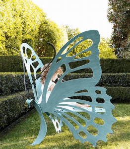 おとぎ話のような蝶になれるガーデンベンチ - Butterfly Bench -