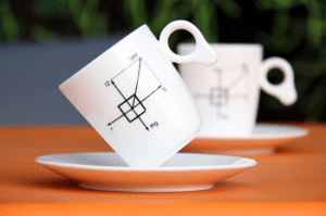 まるで無重力かのように傾くカップ - Zero Gravity Mug -