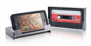 カセットテープそっくりのiPhoneケース – iTAPE DECK -