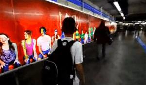 歩いているだけでサッカーでヒーローになった気分が味わえる広告 - Coca-Cola: 3D printing -
