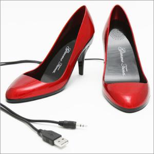 真っ赤なハイヒール型スピーカー - Shiny Red High Heel USB Speakers -