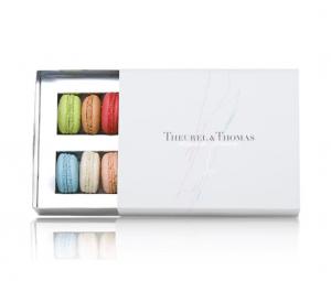 マカロンの魅力を引き出す真っ白なインテリア - Maison du Macaron -