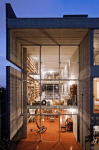 壮観過ぎる本棚の家 - Bookcase Wall House -