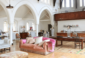 教会を改装して作った素敵なお家 - Church -