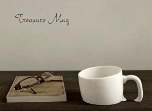 ある日、私はテーブルに埋もれた不思議なマグカップを発見した。 - Treasure Mug -