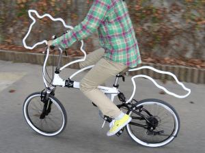 これさえ揃えれば貴族になれる!白馬の王子の気品漂う自転車改造グッズ - Trotify & horsey -