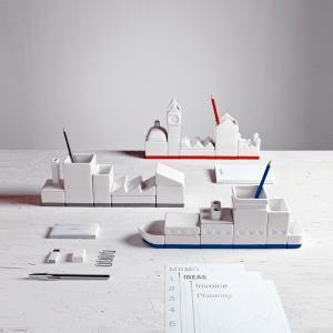 まるで港町!机の上を海に見立てるオシャレなデスクオーガナイザー - Desktructure Organizers -