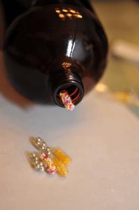 こんな薬ならたくさん飲みたい!?心もお腹も満たされる甘いお薬キャンディー - Popping Candy Placebo -