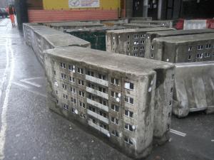 リアルすぎてちょっと不思議。街中にたたずむミニチュアの団地 - Miniature Apartment Buildings -