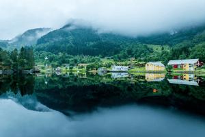 こんな自然の中で暮らしてみたくなる。すべてが透き通って美しすぎるノルウェー - Richard Larssen -
