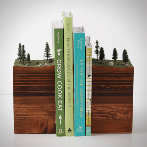 本を並べるのが楽しくなりそう!クリエイティブなブックエンド8選 - 8 Quirky Creative Bookends
