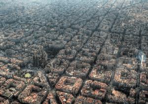 これが本当の碁盤の目。上空からみたバルセロナが芸術的すぎる - Eixample Barcelona