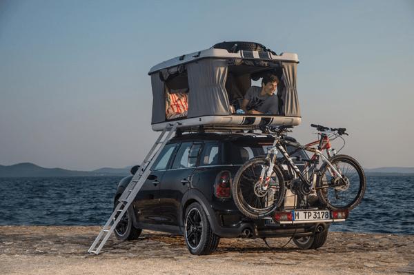 MINIs camping