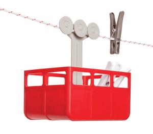 これはかわいい!紐にぶら下がるロープウェイな洗濯バサミ入れ - Cabina Peg holder