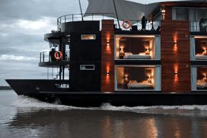 大人の冒険!アマゾン川のオシャレすぎるブティックホテル - Aqua Amazon Luxury Boutique Hotel Boat