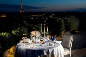 こんな場所で優雅にすごしたい!世界で最も絶景のバルコニー21選 - 21 Hotel Balconies Features