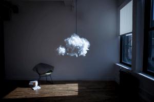 雷好きにはたまらない?!お部屋の中の雷雲ランプ - cloud