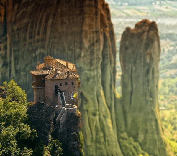 こんな所では暮らせない!危険すぎる天空の修道院「メテオラ」 - Meteora
