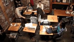 この力を手に入れたい!突然超能力に目覚めてしまった女性のビックリ映像 - Telekinetic Coffee Shop Prank