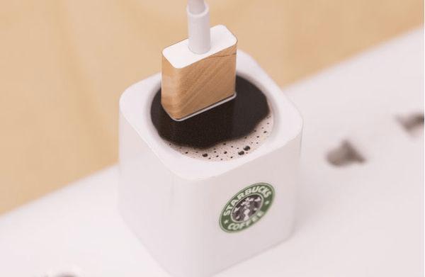 リアルで面白い!スターバックスのコーヒーの中にUSBが挿さってる! - Decal for Apple