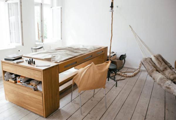 つい机で寝てしまう人にピッタリ。いつでも寝れるベッドになるデスク - Workbed