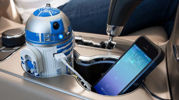 あの頼れる相棒があなたの車に! 映画の雰囲気そのままにR2-D2型のUSBカーチャージャー - R2-D2 USB Car Charger