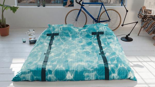 夢で溺れそう!これが本当のウォーターベッドな眠れるプール - Pool Bedding