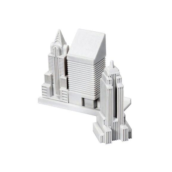 机の上がニューヨーク!あなたの過ちを消し去る摩天楼消しゴム - New York City Erasers