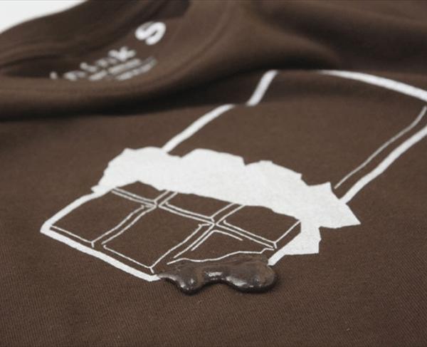 チョコが溶けてる! バレンタインデーにあげたいドロっと飛び出すTシャツ- chocolate T-shirts