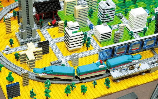これは大人も遊びたい!ナノブロックで遊ぶ本格鉄道模型ナノゲージ - nanoGauge