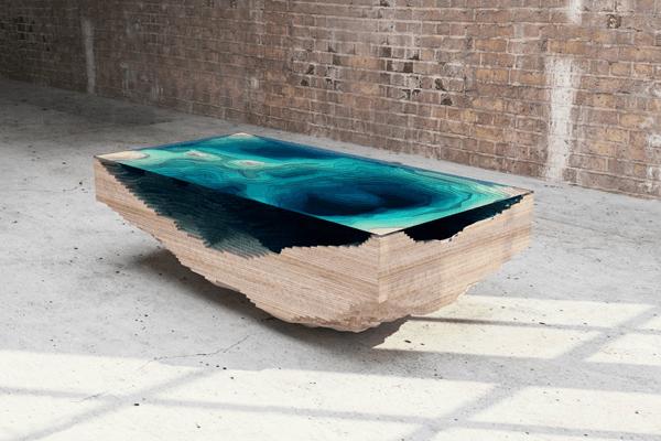 美しさに心洗われる。大海原や川の流れを感じるガラスと木のテーブル - like a ocean and river